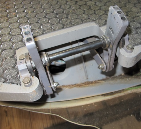 N911KB Anti-Torque Levers Missing the Pedals (Credit NTSB)