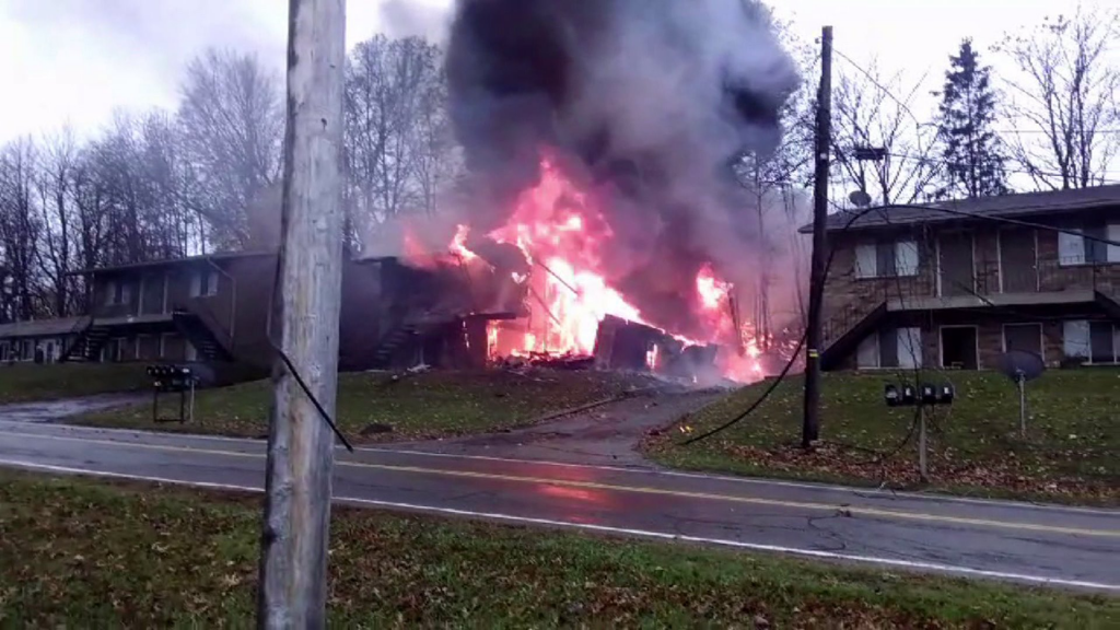 Accident Site Execuflight Hawker 700 N237WR in Akron OH (Credit: Unknown)