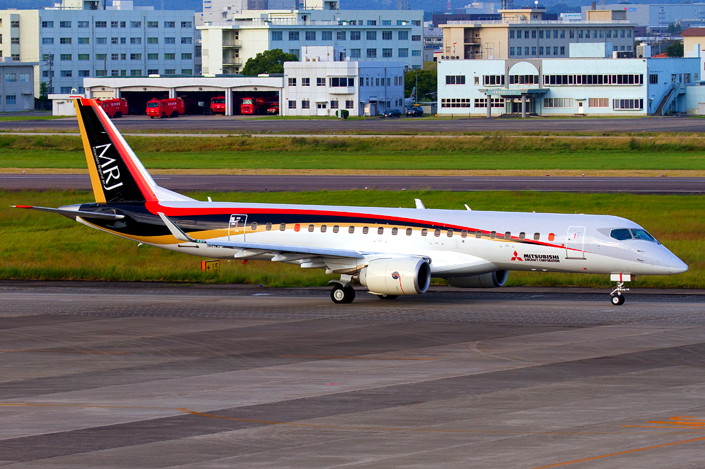 First MRJ Prototype Taxiing in Japan (Credit: CHIYODA I)