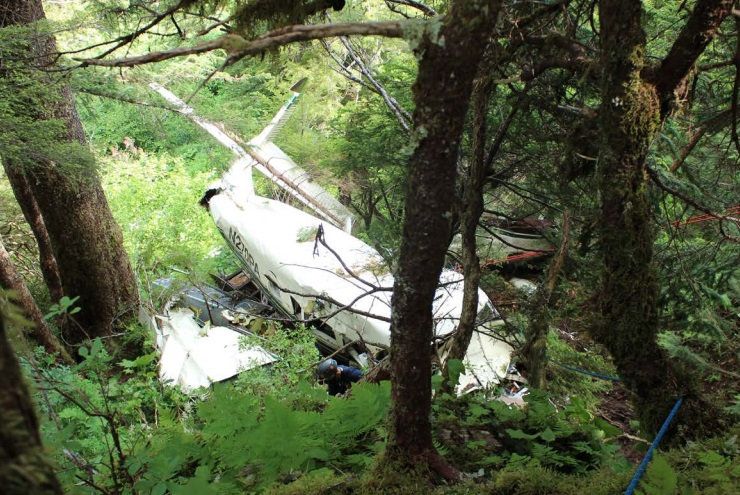 Wreckage of Promech Air de Havilland Canada DHC-3T Vazar Turbine Otter N270PA (Credit: NTSB)