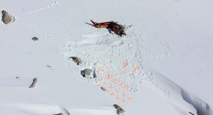 Accident Site of Temsco Airbus AS350B2 N94TH, Denver Glacier, AK (Credit: NTSB)