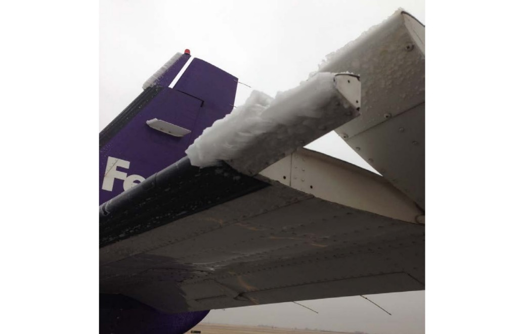 FedEx Cessna C208B N950FE Ice Buildup on Outboard of Horizontal Stabiliser and Elevator Tip (Credit: NTSB)