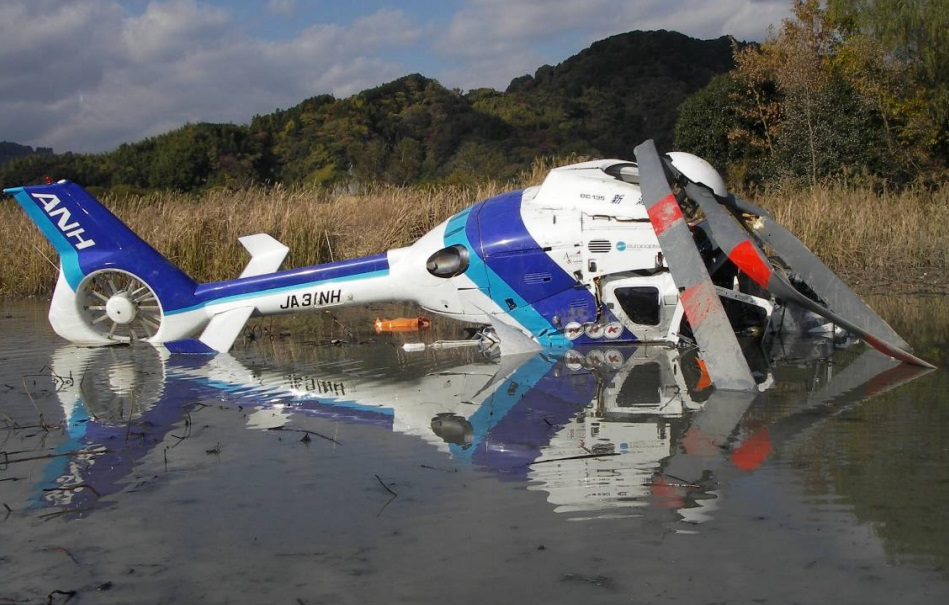 Wreckage of All Nippon Helicopters Airbus EC135T2 JA31NH near Shizuoka Heliport (Credit: JTSB)