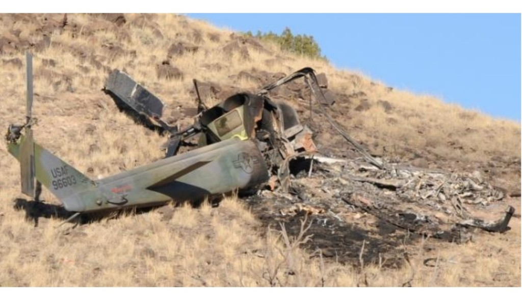 Wreckage of USAF UH-1N 69-6603 at Kirtland AFB, NM (Credit: USAF)