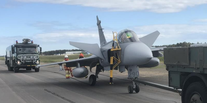 Damaged Swedish Saab  JAS39C Gripen (Credit: Swedish Armed Forces via SHK)