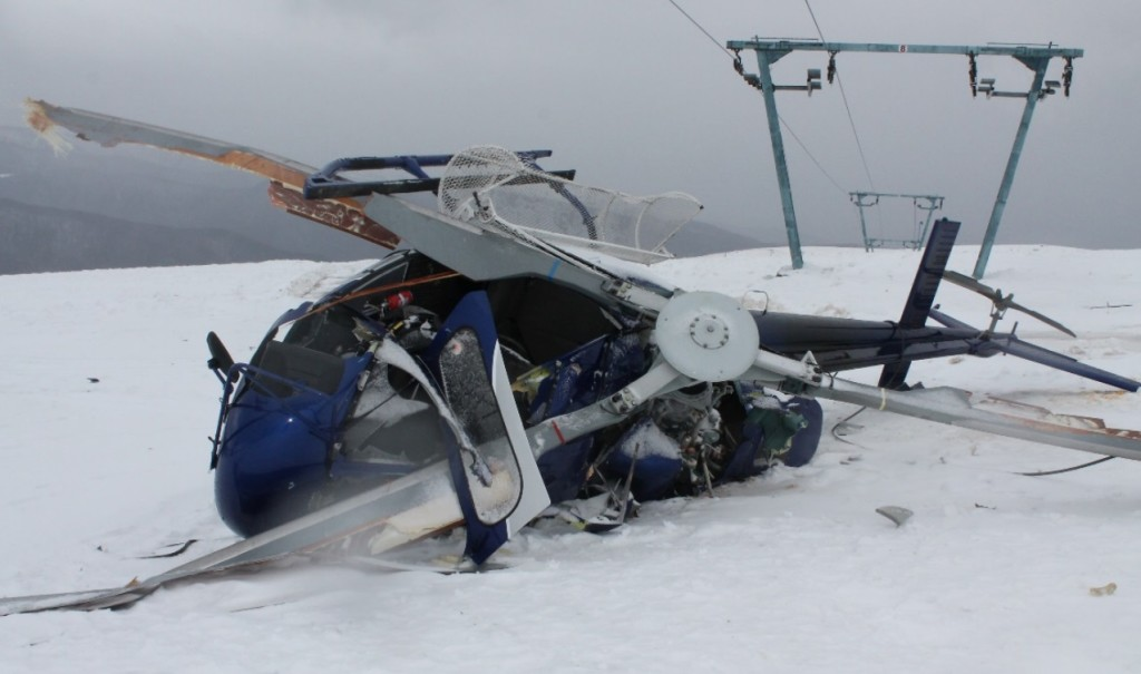 Dunca Expeditii Airbus Helicopters AS350B3 YR-DEX Wreckage (Credit: AIAS Romania)