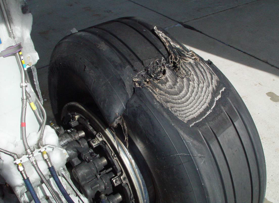 Damaged Left MLG Tyre of United Airbus A320 N442UA (Credit: NTSB)