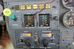 INOP Brake Placard of Dassault Falcon 50 N114TD (Credit: NTSB)