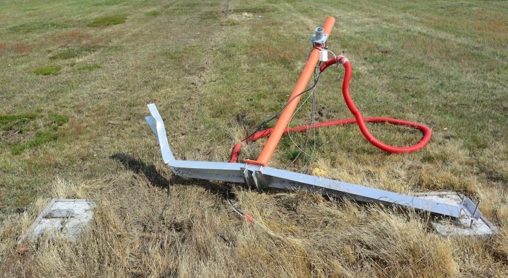 Damage to the Nearfield Antenna for Runway 28L (Credit: AIB Denmark)