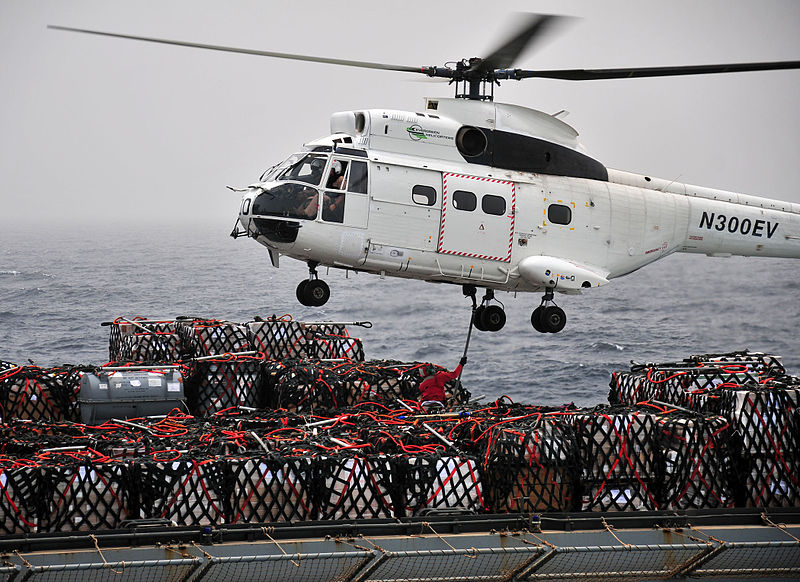 Another SA330J Undertaking VERTREP from USNS Alan Shepard (T-AKE 3) in the Gulf of Aden in 2011 (Credit: US Navy / Mass Communication Specialist 3rd Class Trevor Welsh)