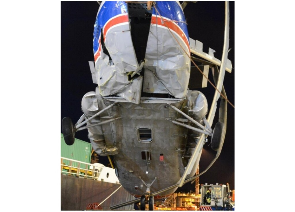 Damage to the Rear Fuselage of Mil Mi-8AMT RA-22312 of Convers Avia in Svalbard (Credit: AIB Norway)