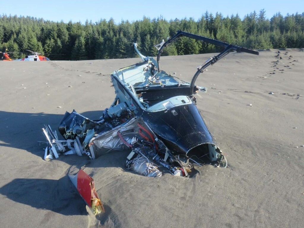Wreckage of Airbus Helicopters AS350Be (H125) N907PL on an Alaskan Beach (Credit:  USCG via NTSB)