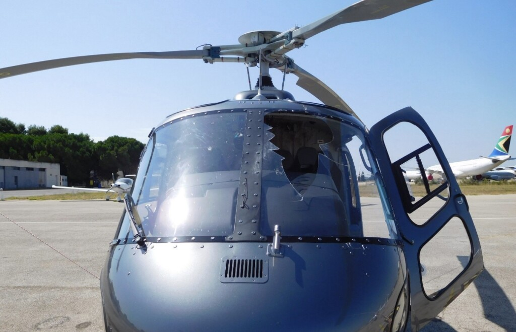 Airbus Helicopters AS350B3e / H125 F-HJSC of  Société LEI MOA after Bird Strike with Red Kite (Credit: BEA)