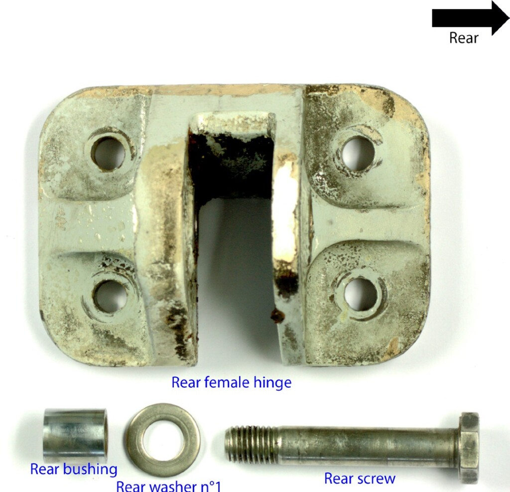 Rear Hinge Components from Hop! ATR 42-500 F-GPYF (Credit: BEA)