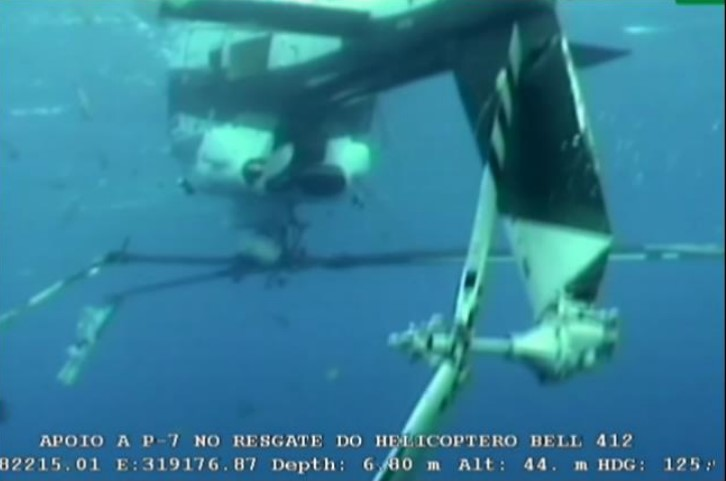 Lider B412 PT-HUW Submerged Prior to Salvage Attempt (Credit: via CENIPA)